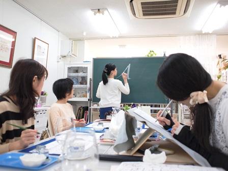 カリグラフィー体験レッスン「ロゴで素敵なランプシェード」@カリグラフィー教室モジ・アカデミア銀座