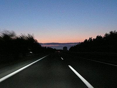 東北道での夜明け