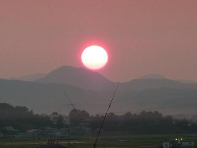 横手の夕日