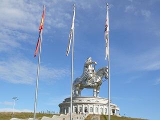チンギスハーン記念像