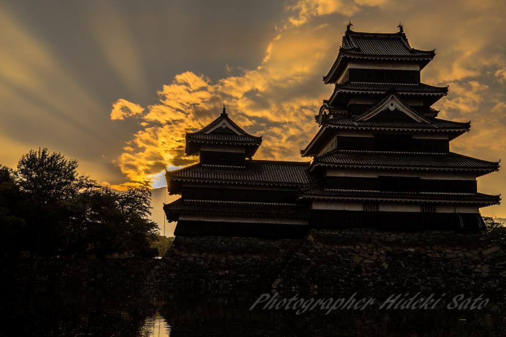 松本城 日の出 朝陽