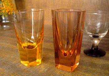 色ガラス ショットグラス3