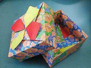折り紙。箱1