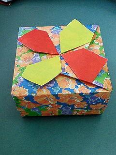 折り紙。箱2