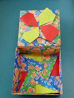 折り紙。箱3