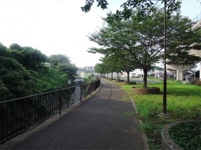 鳥山川遊水池公園