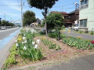 下飯田駅前