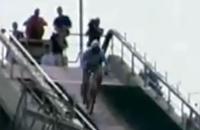 スキーのジャンプ台を自転車で滑走チャレンジ