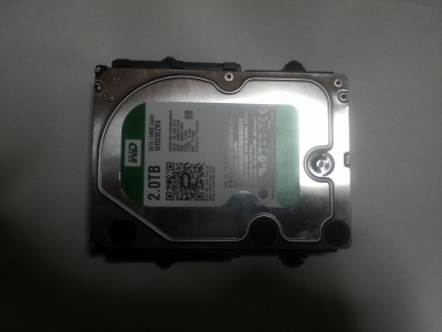 ケース付属のHDD用マウンタ4