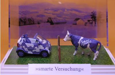 Busch 1/87 milka Smart CabrioleVersuchung