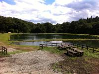 野球場の形をしたポンド『Silver Lake』
