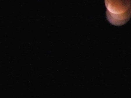 偶然映った皆既月食
