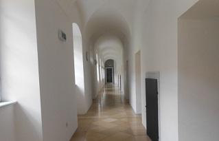 セント・フローリアン修道院内部
