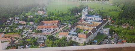 セント・フローリアン修道院 全景