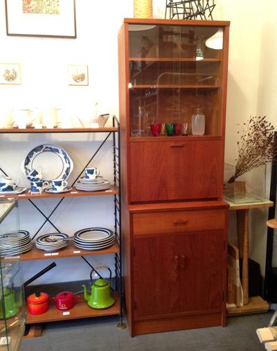 北欧、チーク、キャビネット、食器棚、ライティング、ガラスケース