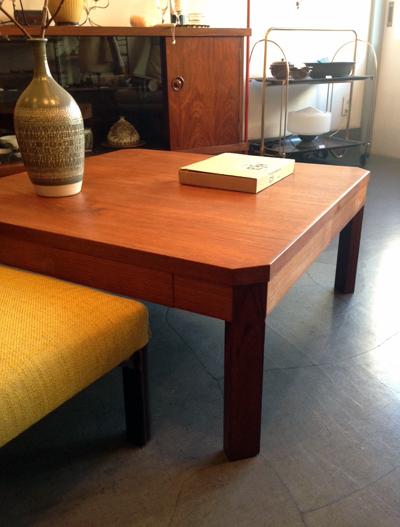 チーク、ローテーブル、座卓、北欧、モダンデザイン、ヴィンテージ