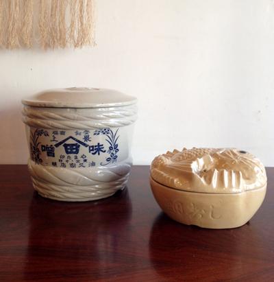 ノスタルジック、容器、陶器製、ヴィンテージ、駅弁、味噌樽、パッケージデザイン、鯛