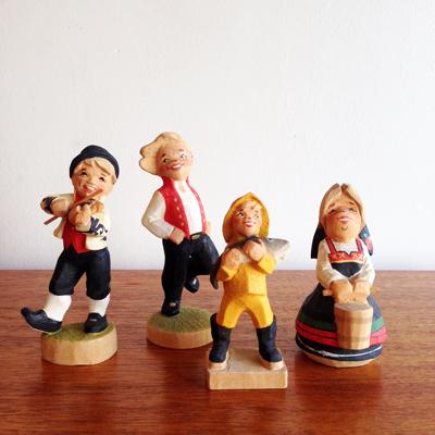 ノルウェー、北欧、木彫り人形、民族衣装、スーベニアドール
