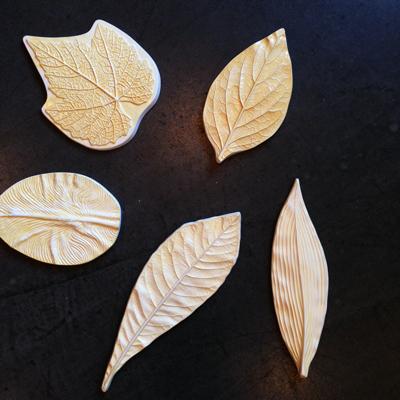 葉型、押し型、陶器製、ボタニカルアート、オブジェ、レリーフ、リーフ柄、ヴィンテージ、装飾