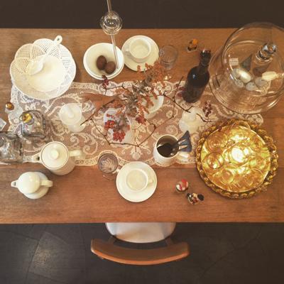 ホワイトクリスマス、テーブルコーディネート、ヴィンテージクリスマス、ダイニングテーブル、シャビーシック、チェア