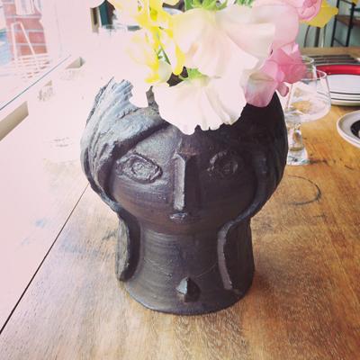 南部鉄器、花器、フラワーベース、植木力、春花、インテリア、スイートピー