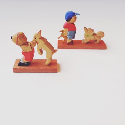 木彫り人形、フィギア、子供と犬、ヴィンテージ、スーベニアドール