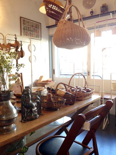 アンティーク、ヴィンテージ、ダイニングテーブル、フレンチシック、店内ディスプレイ