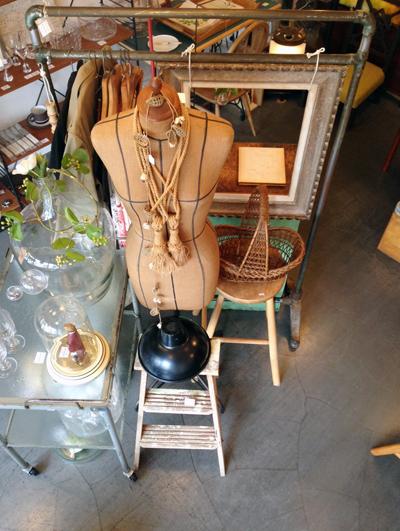 ナンセンス、下北沢、最新店内、ヴィンテージ、紙もの、イラストレーション、デザイン、トルソ