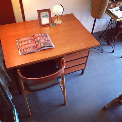 ヴィンテージ、チーク製デスク、北欧モダン、書斎スタイル