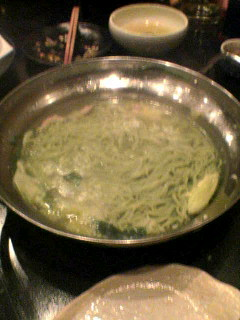 ねこ家「博多もつ鍋(蕎麦入り)」