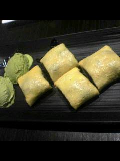 デザート「あんこ巻き(with 抹茶アイス)」