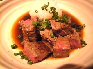 ごまや「牛フィレ肉のサイコロステーキ」