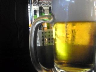 スタンディングバー 百飲 「モルツ生ビール」