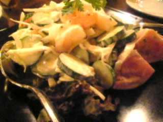 ROSE&CROWN「海老とアボカドのサラダ」