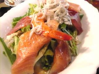 海鮮居酒屋 魚魚丸「海鮮サラダ」