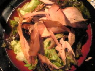 博多もつ鍋焼酎酒場 もつ福 西新橋店「削り節とレタスのサラダ」