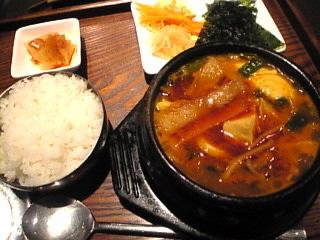 醍醐 お台場「韓国モチ入りチゲ 980円」