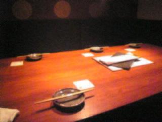 赤坂_日本料理_川の音「テーブル」