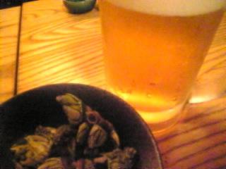 居酒屋 登貴「亀の手&生ビール」