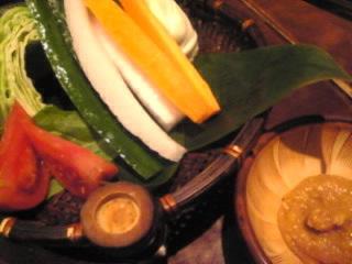 鳥どり_池袋東口店「新鮮野菜のざる盛り」