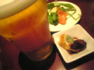 もつ鍋と串焼 ひそか(hisoka)新橋烏森店「生ビール」