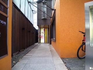 青山カフェレストラン Hys「入口」