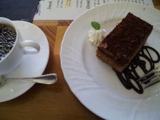 カフェ&バー マエストロ「ケーキセット」