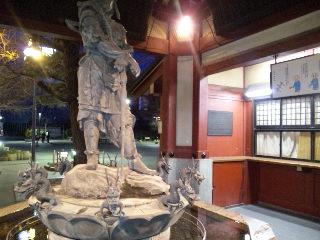 浅草 浅草寺「本堂前」