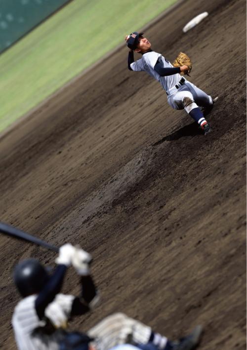 伊藤将司投手(横浜高校2年)