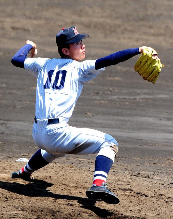 伊藤将司投手(横浜高校3年)