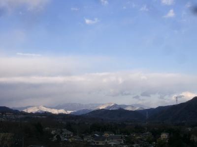 山が真っ白