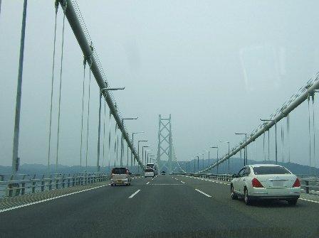 明石海峡大橋。