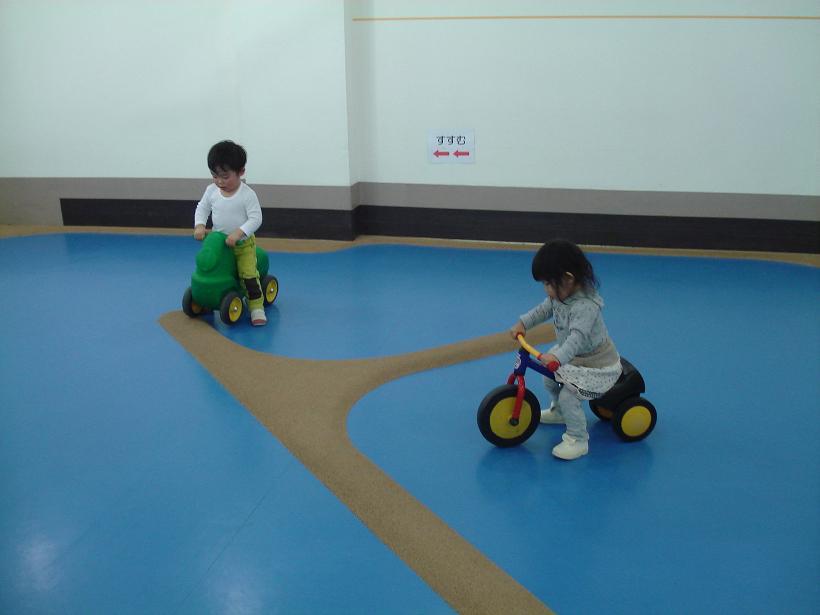 1歳半位から乗れる三輪車