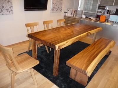 モンキーポッドテーブルベンチ